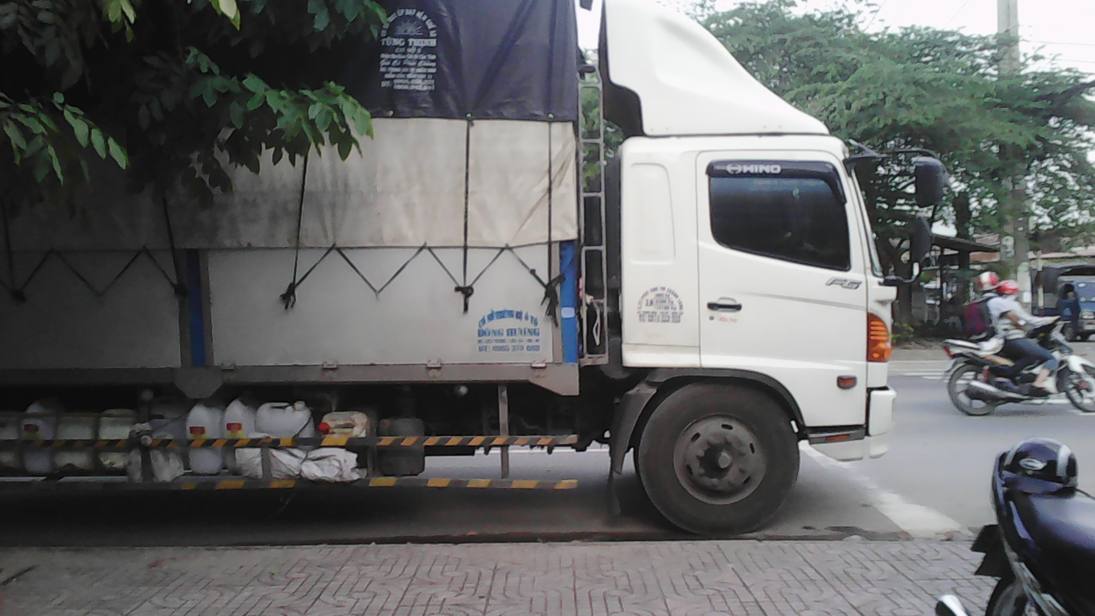 xe van chuyen hang hoa di Bac Lieu an toan